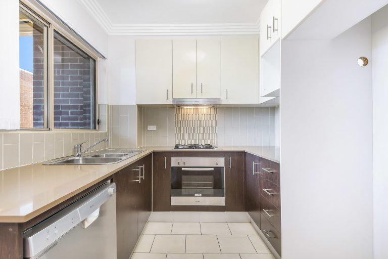 22/11-19 Mandemar Avenue Homebush West , NSW 2140 AUS