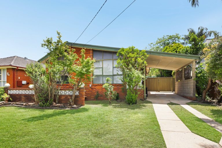 8 Selkirk Street Winston Hills , NSW 2153 AUS