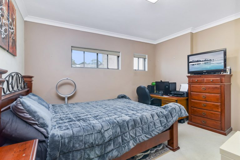 13/159 Princes Highway St Peters , NSW 2044 AUS