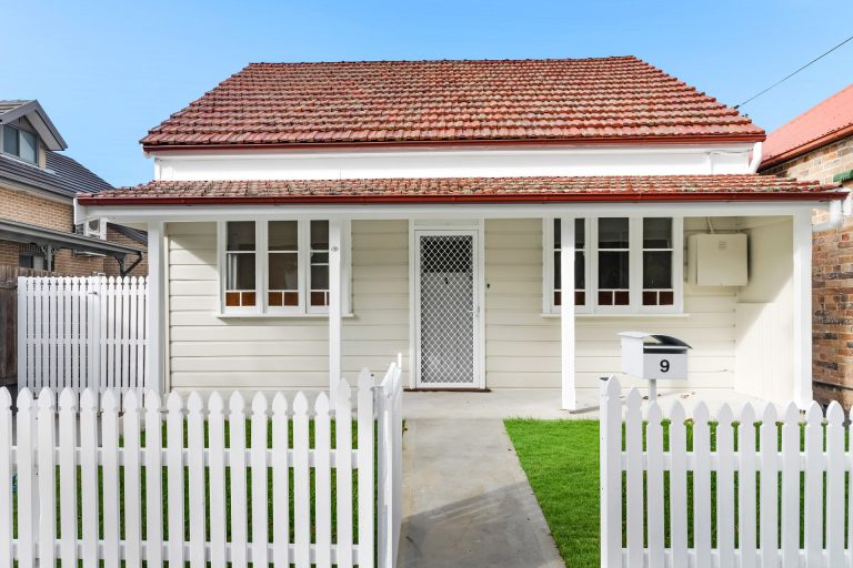9 Hercules Street Dulwich Hill , NSW 2203 AUS