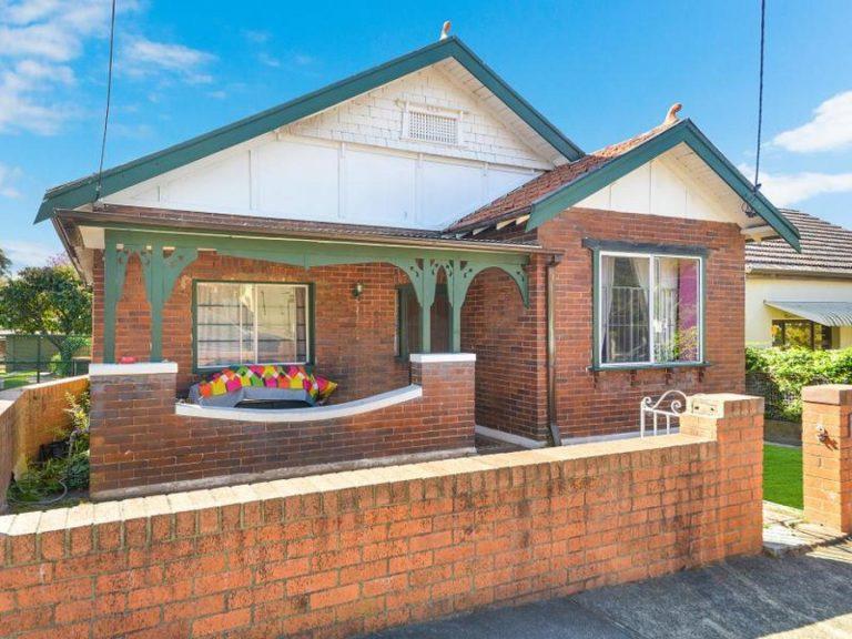 34 Denison Road Lewisham , NSW 2049 AUS