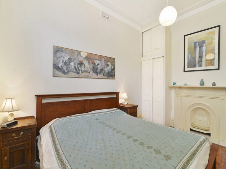 27 Charlecot Street Dulwich Hill , NSW 2203 AUS