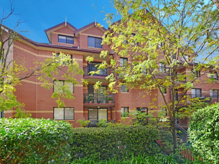 19/3 Williams Parade Dulwich Hill , NSW 2203 AUS