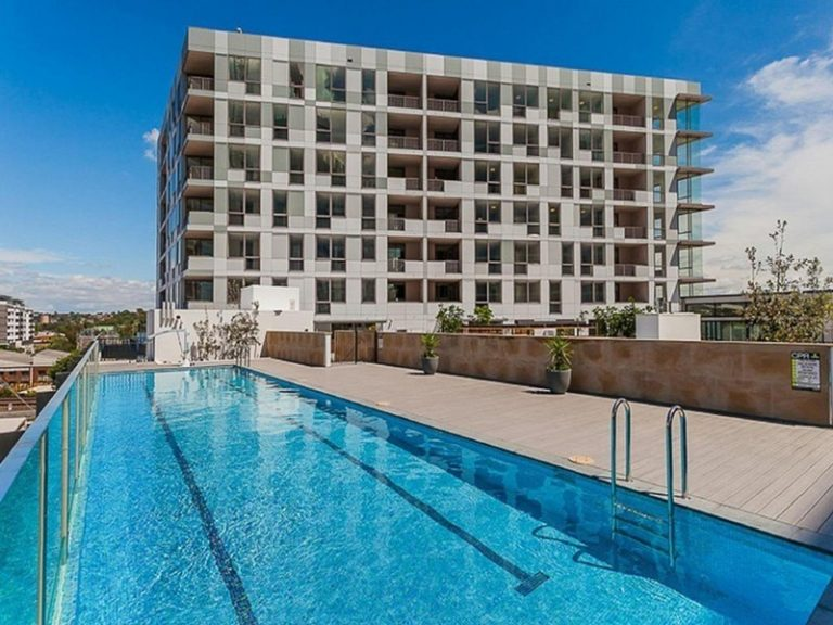 810/2 Discovery Point Place Wolli Creek , NSW 2205 AUS