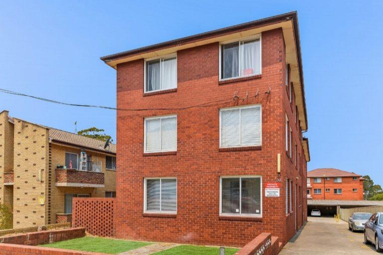 1/33 Dartbrook Road Auburn , NSW 2144 AUS