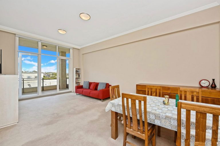 23/25 Angas Street Meadowbank , NSW 2114 AUS